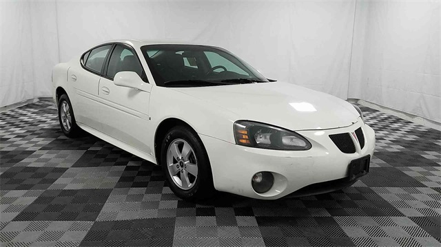 Pre-Owned 2006 Pontiac Grand Prix Base